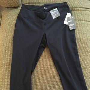 Brand New! GAP Fit G-Speed Black Capri Leggings